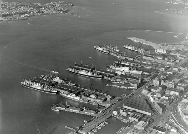 Auckland-City-Wharves-22nd-September-1953-big